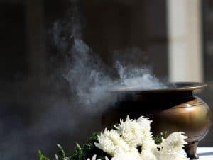 Kräuter räuchern - mit Rauch