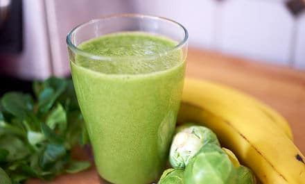 Grüner Smoothie mit Banane