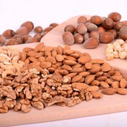 Abwechslungsreiche Ernährung für Veganer: Alle Nüsse und Samen